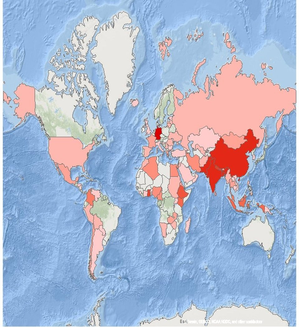 Map with the worldwide distribution of Master Photogrammetry and Geoinformatics Alumni